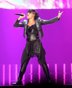 OCTOBER 25th - Demi performing at The Prudential Center in Newark, NJ.