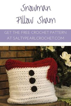 I love this simple, free crochet pattern! This Snowman Pillow Sham is a cute and quick chunky yarn pattern sure to brighten up your couch this winter. Get the Free Pattern at SaltyPearlCrochet!