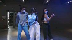 Hip Hop Dance Videos, Dance Workout Videos, Dance Choreography Videos, Cool Dance Moves, Dance Tips, 1million Dance Studio, Best Islamic Images, Dance Kpop, Jimin Fanart