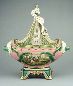 Sèvres porcelain potpourri boat, c. 1760, a form owned by Madame de Pompadour who was a great supporter of Sèvres