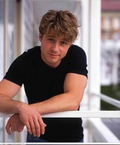 Benjamin McKenzie. Ryan Atwood in 'The O.C.', Det. Gordon in 'Gotham'