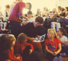 Just surrounded by little kids, happy as ever... #ReasonsIShipHaileyandLoueh -E