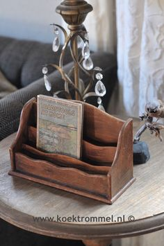 kleine letterrack Hygge, English Style, Decoration, Rustic Farmhouse, Book Worms, Sweet Home, Reading, Antiques, Books