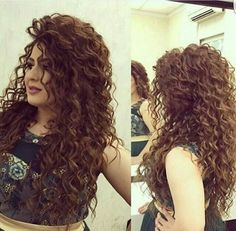 Even though this was probably done with a curling iron, still hair length dreams… – Uñas Coffing Maquillaje Peinados Tutoriales de cabello Curly Prom Hair, Haircuts For Curly Hair, Easy Hairstyles For Long Hair, Permed Hairstyles, Curly Hair Styles, Church Hairstyles, Curly Perm, Long Haircuts, Auburn