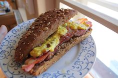 Het recept voor vandaag is voor de momenten dat je wel wat liefde van bacon/spek kan gebruiken. Zeker als het buiten plenst.