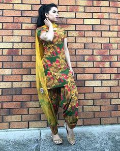 Patiala Dress, Punjabi Dress, Pakistani Dresses, Indian Dresses, Punjabi Suits, Salwar Suits, Indian Suits, Indian Attire, Indian Wear