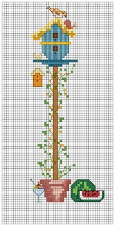 Here is the Birdhouse of August, the month of holidays and hopefully sunny! Free PDF