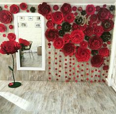 Paper flowers backdrop wedding: