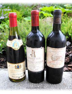 1 bouteille 75 cl - Hermitage La Chapelle de 1955, 1 bouteille 75 cl - Château Latour de 1918 (reconditionnée en 1991) et Château 1 bouteille 75 cl - Margaux de 1921. Estimation gratuite, vieux vins à vendre, rachat de vos vieilles bouteilles. © www.wanted-vin.com