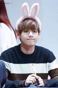 Cute bunny Taehyung
