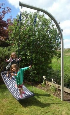 Gartenschaukel swingpool schaukel www.be - Christian Wagner - Gartenschaukel swingpool schaukel www.be Gartenschaukel swingpool schaukel www. Backyard Playset, Backyard Swings, Backyard For Kids, Backyard Projects, Outdoor Projects, Backyard Landscaping, Backyard Ideas, Backyard Toys, Natural Playground