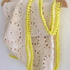 elisabethandree crochet yellow-edged blanket