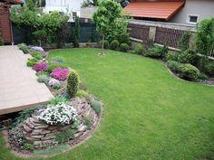 Galerie - Realizace zahrad - Aquabiom Beautiful Flowers Garden, Green Garden, Stepping Stones, Patio, Outdoor Decor, House, Gardening, Home Decor, Gardens