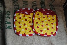Oven Mitt Potholders Potholder Pair by ColeenO on Etsy, $12.00