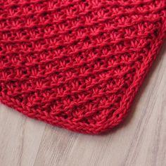 Dagens mønster: Daisy stitch #strikket #karklud #knitting #knit #dishcloth #strikkedilla #økologisk #garn #organic #yarn #knitaddict #ecoknittingdk #diy #tagsforlikes #vsco #vscocam #vscophile #vscogood #vscogrid
