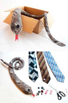 Reciclagem - gravata VIRA peso porta