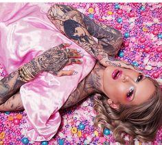 @ehurenkamppp 💫 Jeffree Star Snapchat, Jeffry Star, Beauty Makeup, Eye Makeup, Jouer Cosmetics, Star Background, Artists And Models, Star Wallpaper, Best Youtubers