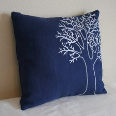 New Embroidery Designs Modern Pillow Covers Ideas covers des. : New Embroidery Designs Modern Pillow Covers Ideas covers design New Embroidery Designs Modern Pillow Covers Ideas Modern Pillow Covers, Diy Pillow Covers, Modern Pillows, Diy Pillows, Linen Pillows, Decorative Pillows, Pillow Ideas, Cushion Embroidery, Embroidered Cushions