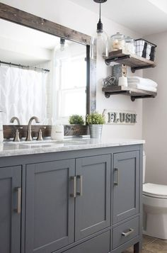 Awesome 75 Beautiful Farmhouse Master Bathroom Remodel Decor Ideas https://rusticroom.co/3108/75-beautiful-farmhouse-master-bathroom-remodel-ideas #bathroomdecormaster