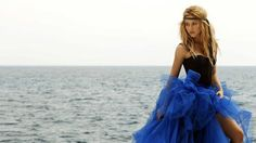 Shakira #beautiful -  shakira -  blue and beautiful dress