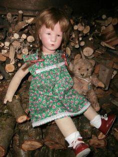 Hübsches Kleidchen z.B. für Käthe Kruse oder Schildkröt-Puppe