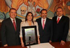 "Silvia Arias Teja, la ""Mujer del Año"" del municipio de Colima"