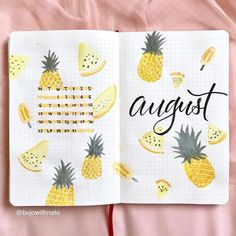 17 Superb Summer Bullet Journal Layouts To Copy! Summer is . 17 Superb Summer Bullet Journal Layouts To Copy! Summer is here and it's time to start thinking about Summer Bullet Journal themes. And setting Bullet Journal Mise En Page, Bullet Journal August, Bullet Journal Notebook, Bullet Journal Spread, Bullet Journal Inspiration, Bullet Journal Months, Journal Themes, Journal Layout, Journal Ideas
