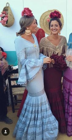 Flamenco Dresses, Mexico Style, Trumpet Skirt, Female Soldier, Spanish Style, Fishtail, Comfortable Outfits, Dress Skirt, Dancer