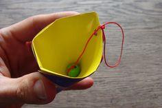 Kleine Nachmittagsfalterei oder wie man an trüben Tagen ein Origami Fangspiel faltet - Handmade Kultur