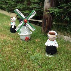 knutsel-mam: Pannen-onderzetter / warme (bed)sokken.. Wire Crochet, Crochet Hats, Crochet Mushroom, Baby Chicks, Budgies, Crochet Projects, Free Pattern, Projects To Try, Crochet Patterns