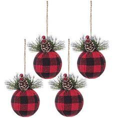 Diy Christmas Ornaments, Christmas Projects, Christmas Fun, Holiday Crafts, Christmas Themes, Ball Ornaments, Buffalo Check Christmas Decor, Cabin Christmas Decor, Rustic Christmas Tree Decorations