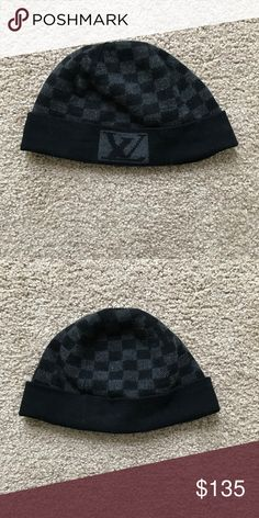 LouisVuitton Petit Damier Graphite Monogram Beanie Louis Vuitton Men's Beanie Cap, Gray and Black, Gently worn, In very good condition, Many more years of wear left, 100% WOOL.  Can also be worn unisex Louis Vuitton Accessories Hats