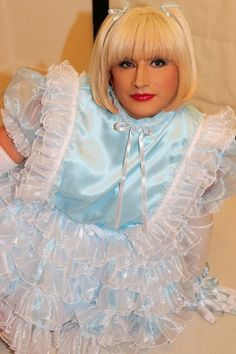 Sissy Maid Isla is just so cute