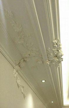 House Design, Elegant Interior Design, Interior Windows, Interior Wall Decor, Classic Ceiling, Cornice Design, Ceiling Design, Home Interior Design, Wall Design