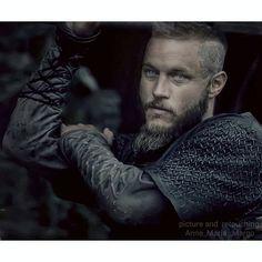 Ragnar Lothbrok Vikings, Vikings Tv, Viking Art, Viking Warrior, Vikings Travis Fimmel, King Ragnar, Ivar The Boneless, The Last Kingdom, Red Hood