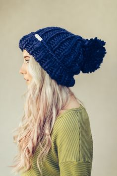 THE absolute most comfortable beanie EVER! And it's adorable with it's huge oversized pom pom and chunky knit yarn. Thick gauge oversized beanie slip on hat keeps you warm and looking amazing! Slouchy Hat, Knit Beanie, Beanie Hats, Wooly Hats, Knitted Hats, Crochet Hats, Tricot Simple, Moda Chic, Hat Shop