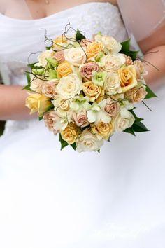 http://www.brizzybridalbouquets.com.au/bridal-bouquets/