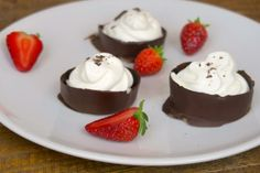 This tasty treat will be ready in just minutes! INGREDIENTS whipped cream dark chocolate water DIRECTIONS 1. Pour the water into your favorite mold and place a toothpick in each one. 2.