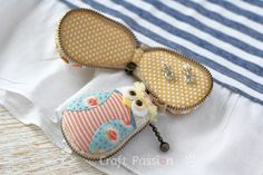 http://www.craftpassion.com/2016/06/owl-macaron-coin-purse.html/2