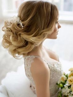 Wedding Hairstyle   : Featured Hairstyle: Elstile; www.elstile.com; Wedding hairstyle idea.