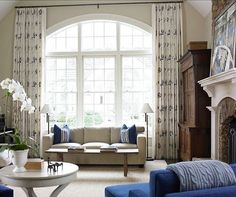 20 Sumptuous Living Room Designs with Arched Windows - Rilane Curtains For Arched Windows, Bedroom Windows, Living Room Windows, Home Living Room, Living Room Designs, Living Spaces, Arch Windows, Hang Curtains, Window Moldings