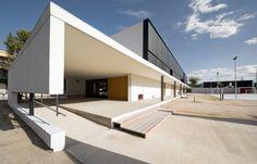 BAAS Arquitectura || Instituto Els Gorgs (Cerdanyola del Vallés, España) || 2010
