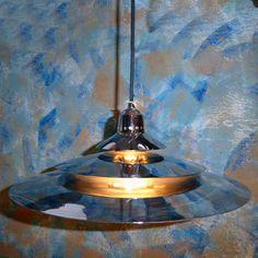 Preciosa lámpara plateada estilo OVNI, años 70-80 de Mementosbcn en Etsy