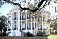 Plantation house in the south