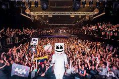 Excelente foto de @marshmellomusic  en Dallas last night!  Lo que mas me encanta es la bandera de mi país!! #venezuela!!! #electronicavenezuela #edmvnz #djs #dj #portaldedjsEsRumba #marshmello  #marshmallow #like #dallas #portaldedjs #sjm #cua #sansebastian #guarico #aragua #udm #progressive #hardstyle