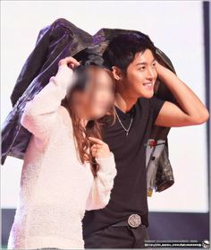 Joven de 17 años fue la primer persona en recibir a Kim Hyun Joong tras su regreso del Servicio Militar