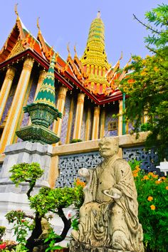Temple of the Emerald Buddha - Bangkok - Thailand. Become silent. #Achtsamkeit & Meditation mit #harmonyminds