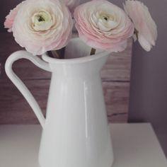 Der #Frühling zieht ein  #Tulpe #Ikea #ranunkeln #shabby #Rosa #weiss #Spring #Deko #interior #Blogger