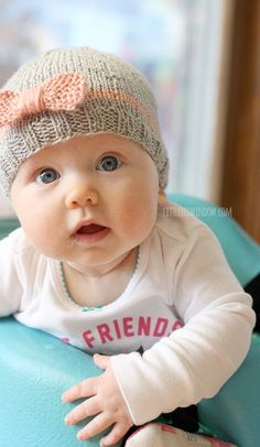 Knit Bow Baby Hats | littleredwindow.com | A quick easy and FREE knitting pattern for your little one!: