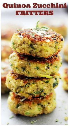 Garlicky and Cheesy Quinoa Zucchini FrittersPacked with Quinoa and Zucchini…